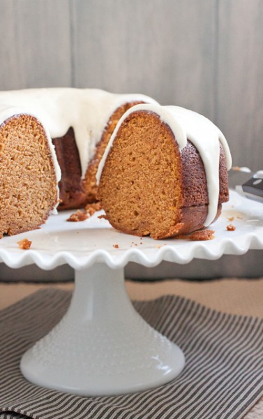 Dessert: Pumpkin Bundt Cake with Cream Cheese Frosting (Smells Like ...